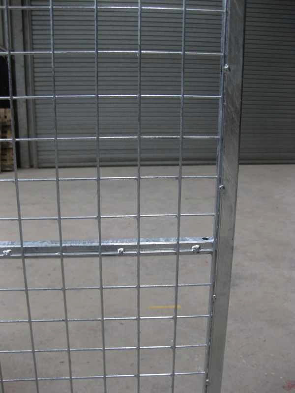 Standard Panel. 1.25m wide x 1.8m high (approx. 4ft wide x 6ft high). Sturdy construction using 25x25mm box section framing covered with 50x50x3mm weldmesh. Hot dip galvanised for lifetime rust protection. Bottom of panels are raised off the ground to stop bacterial growth and to ease cleaning.  Can be easily erected in around 30 minutes with no special tools or skills required. Bolts included.