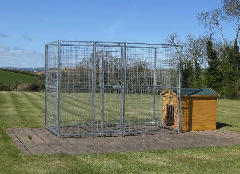 Void Panel. 1.25m wide x 1.8m high (approx. 4ft wide x 6ft high). The void panel has a hole in it to allow you to place your kennel outside the dog run to save space. Sturdy construction using 25x25mm box section framing covered with 50x50x3mm weldmesh. Hot dip galvanised for lifetime rust protection. Bottom of panels are raised off the ground to stop bacterial growth and to ease cleaning.  Can be easily erected with no special tools or skills required. Bolts included.